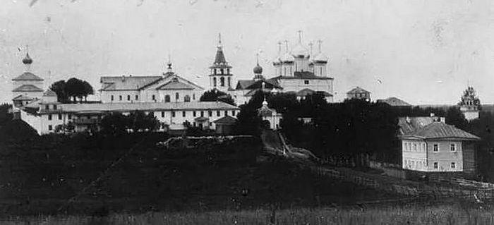 Корнилиево-Комельский монастырь, основанный преподобным Корнилием
