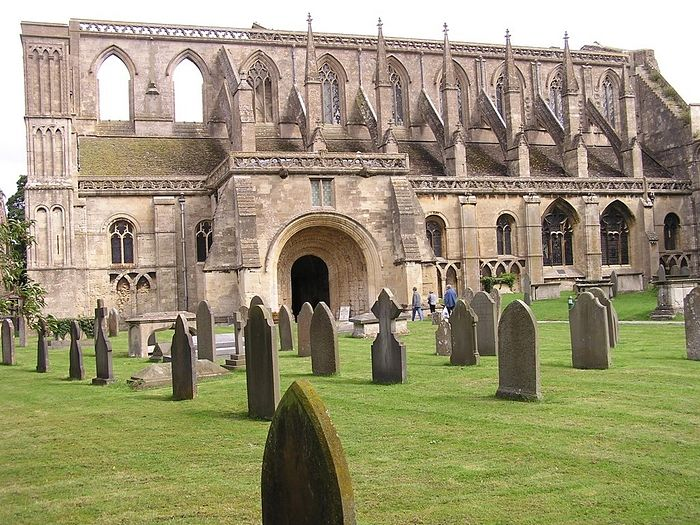 Malmesbury Abbey, Wiltshire (source - Mapio.net)