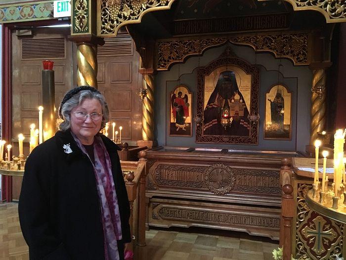 Екатерина Дмитриевна у мощей преподобного Иоанна Шанхайского