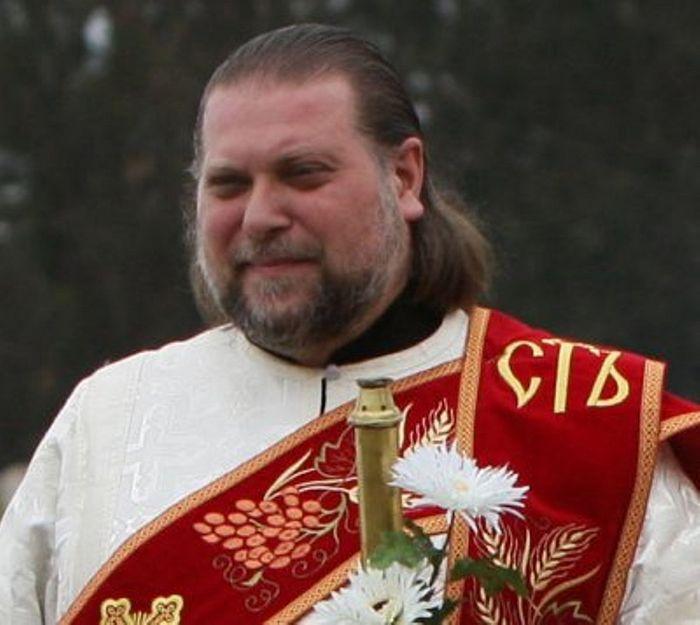 Протодиакон Николай