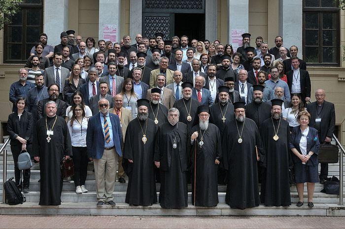Участники богословской конференции в Салониках
