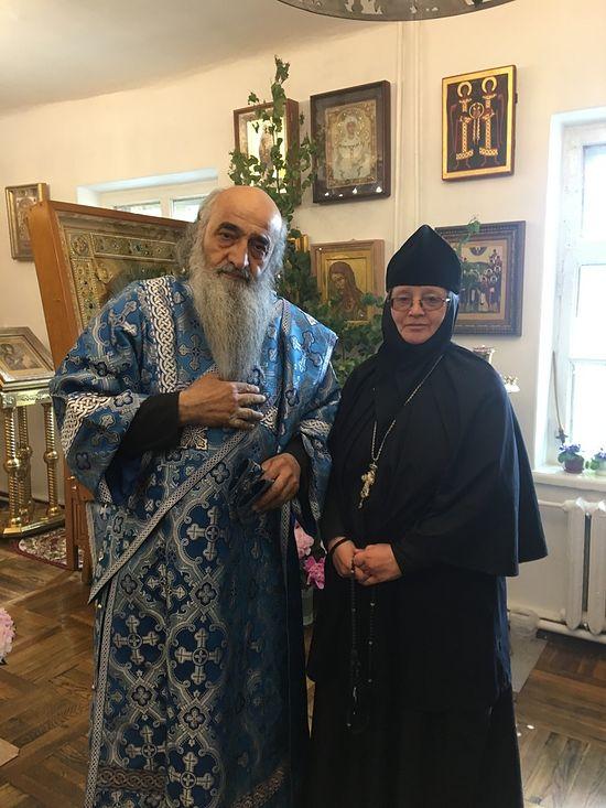 Матушка-игуменья Анастасия с оптинским архидиаконом Илиодором