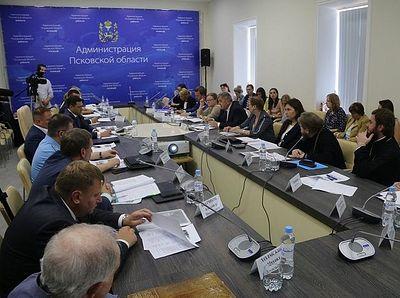 Вопросы сохранения Мирожского и Снетогорского монастырей обсудили в Пскове