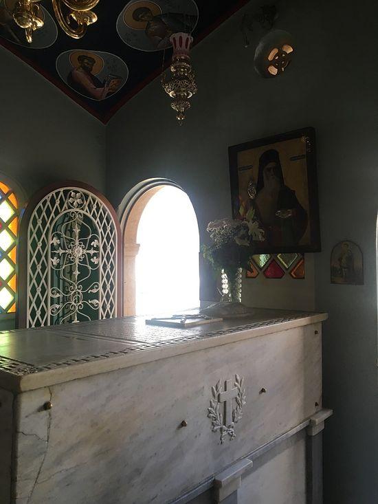 Часовня с гробницей Святителя Нектария