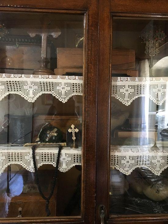 Шкафчик с личными вещами святого