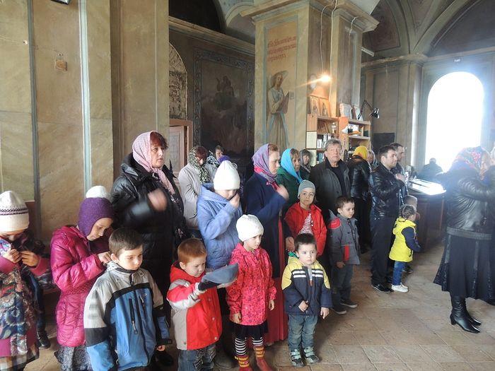 С детьми в храме