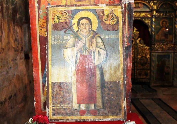 Икона в храме в Пасьяне