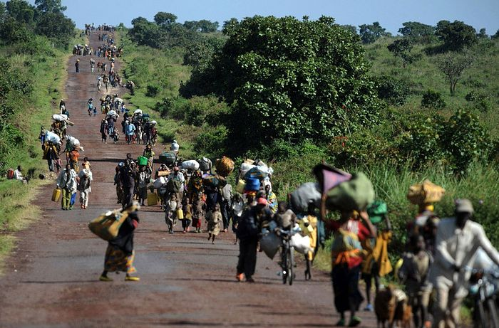 Refugees on the roads of Congo