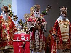 В сотую годовщину расстрела Царской семьи Предстоятель Русской Церкви совершил Литургию перед Храмом на Крови