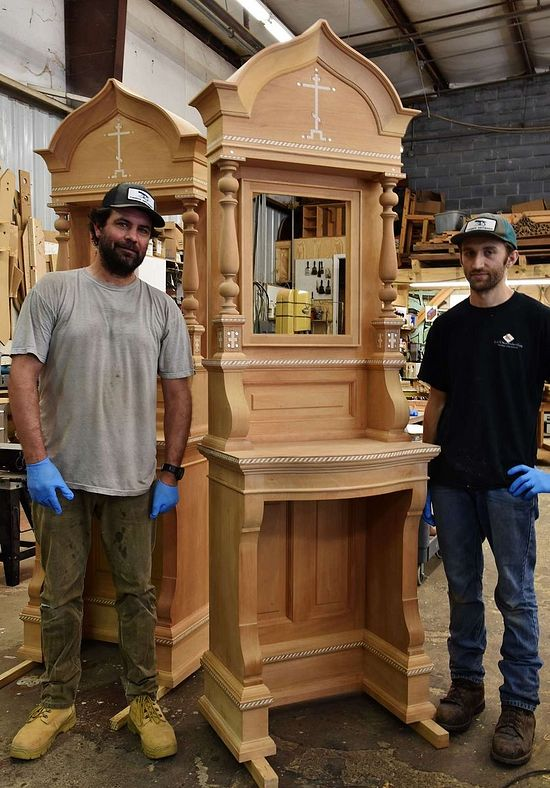 Master carpenter Bruno Sutter (left) with the finished kiots