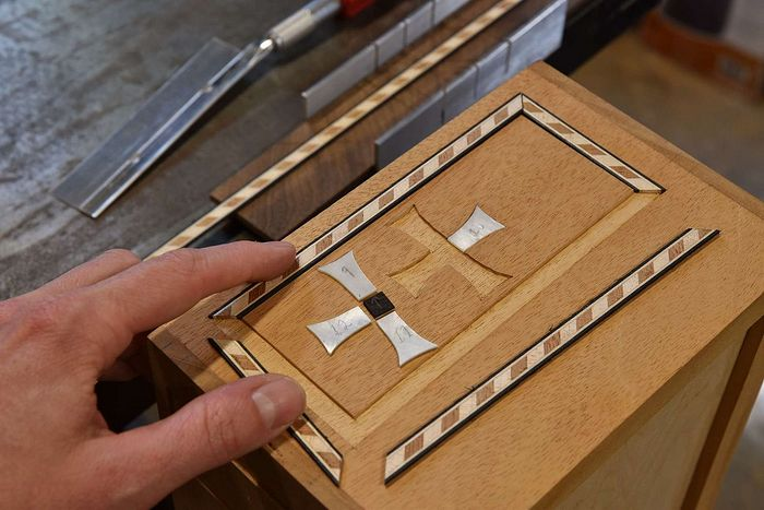 The author preparing the inlay on the reliquary