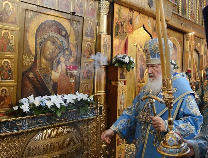The patriarchal service on the feast of the Kazan icon at the Kazan Cathedral in Red Square, Moscow