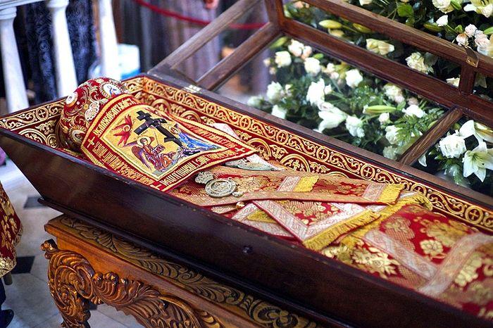 Рака с мощами священномученика Владимира