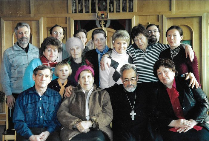 Parishioners with Fr. Paul Sohnle, 2005