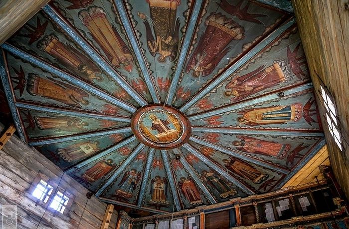 The church ceiling before the fire