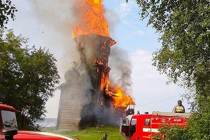 Пожар Успенской церкви в Кондопоге.