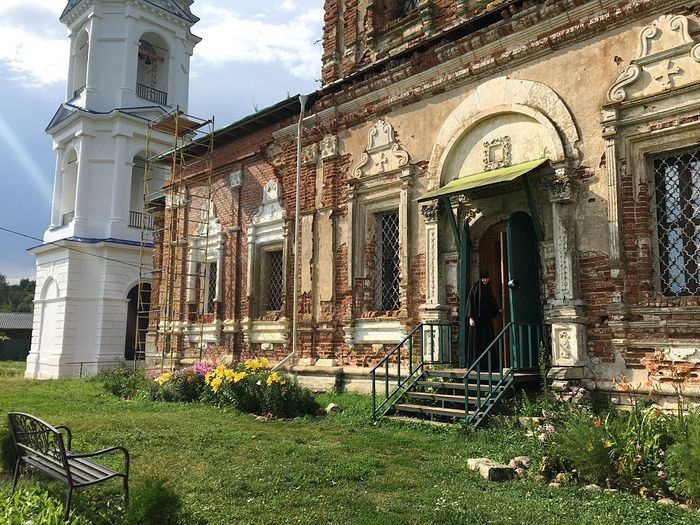 Успенский храм Шаровкина монастыря