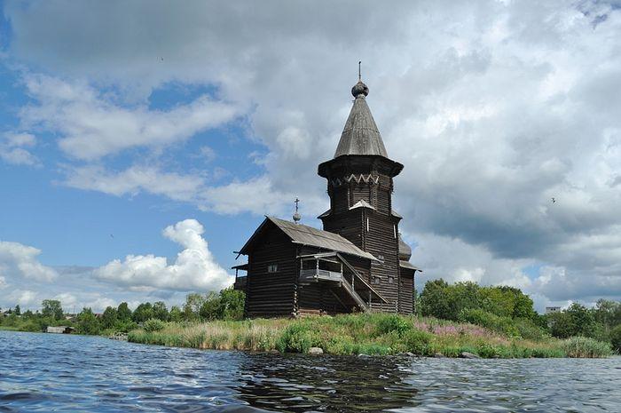 Успенская церковь до поджога. Кондопога, Карелия