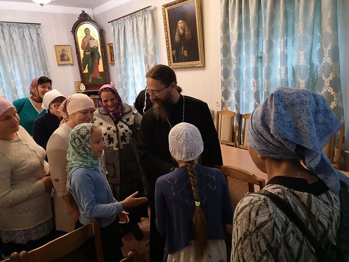 A talk with pilgrims from the Kirov Province, August 14, 2018.