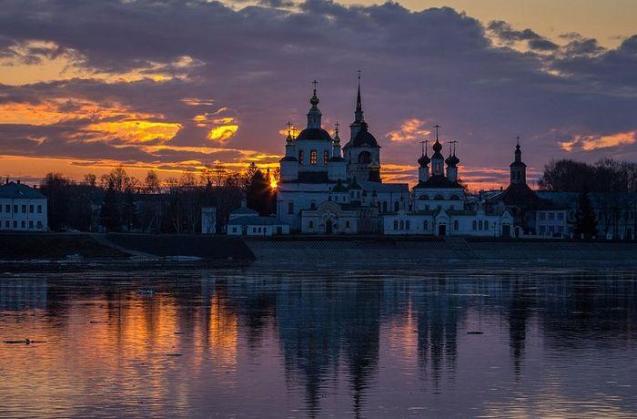 Великий Устюг. Вид на Соборное дворище. Фото Даниила Зинченко