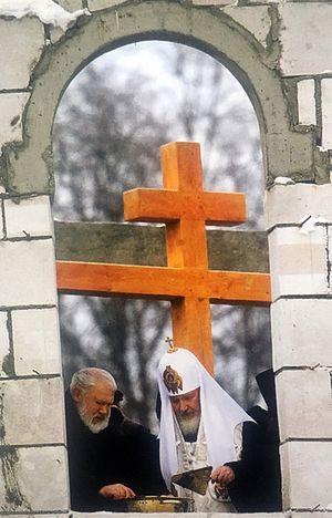 С Святейшим на строительстве храма святаго благоверного князя Игоря Черниговского в Переделкино
