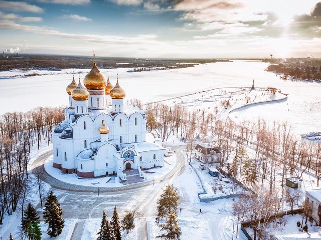 Dormition Cathedral, Yaroslavl, on the Volga River. Photo: Barontour.ulcraft.