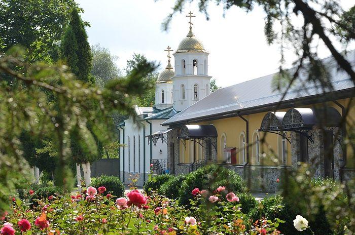 Аланский Богоявленский женский монастырь