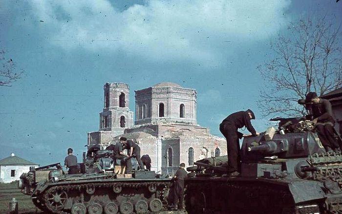 В оккупированной Полтаве. 1942 г.