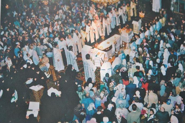 Отпевание отца Михаила. Киевский Свято-Покровский монастырь, 1 сентября 2003 г.