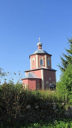 Свято-Троицкий храм в Озерце