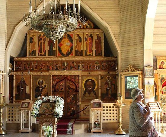 Храм святителя Николая у Соломенной сторожки, настоятель которого — отец Владимир