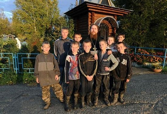О. Борис с детьми
