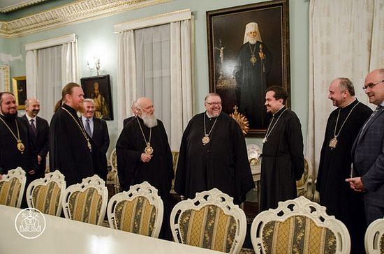 Fake Patriarch Philaret's reception of a delegation of the UOC of Canada, headed by Metropolitan Yuri (Kalischuk) in February 2015. Apparently, plans for receiving the long-awaited tomos were already born then.