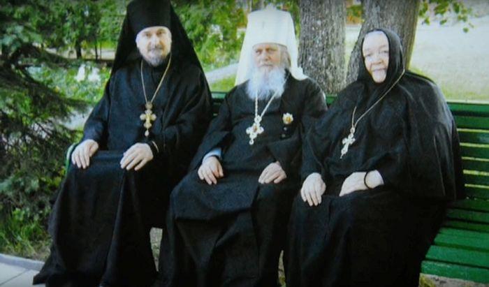 С митрополитом Таллинским и всея Эстонии Корнилием (Якобсом) и пюхтицкой игуменией Варварой (Трофимовой)