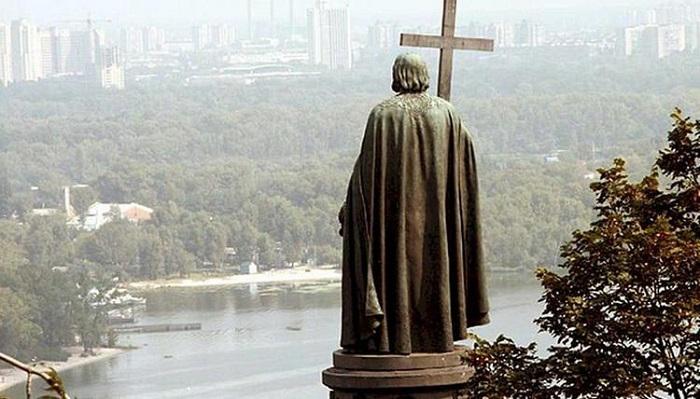 Споменик кнезу Владимиру у Кијеву