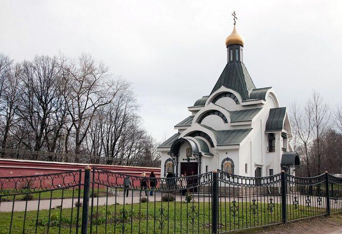 Храм Казанской иконы Божией Матери у Красненького кладбища