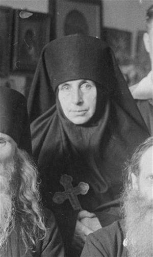 М. Анна (Кипарисова)