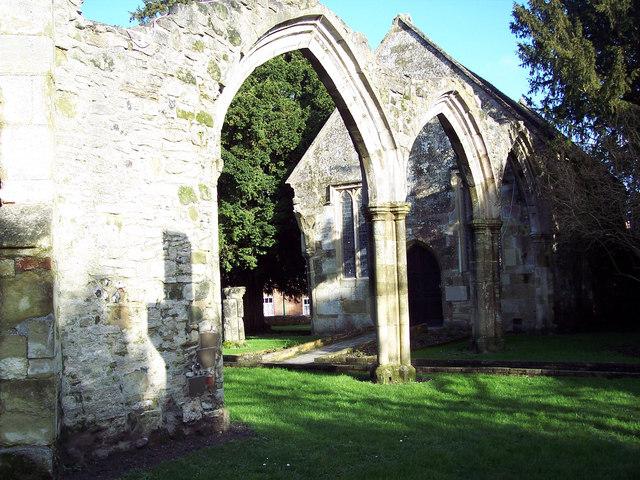 Руины церкви Богородицы в Уилтоне, Уилтшир