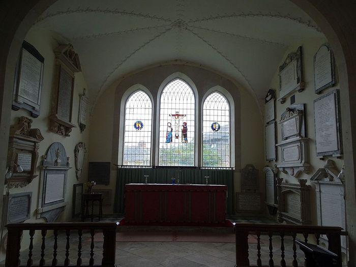 Уцелевший алтарь средневековой церкви во имя Богородицы в Уилтоне, Уилтшир (фото любезно предоставлено настоятелем прихода в Уилтоне)