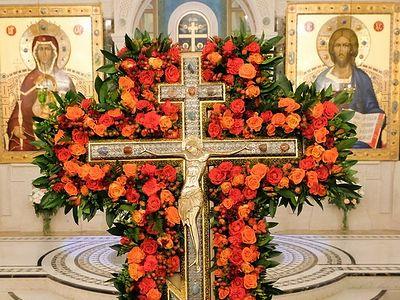 Крестовоздвижение в Сретенском монастыре