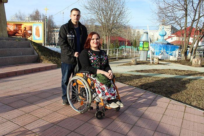 Участники молодежного отдела Алена и Юрий