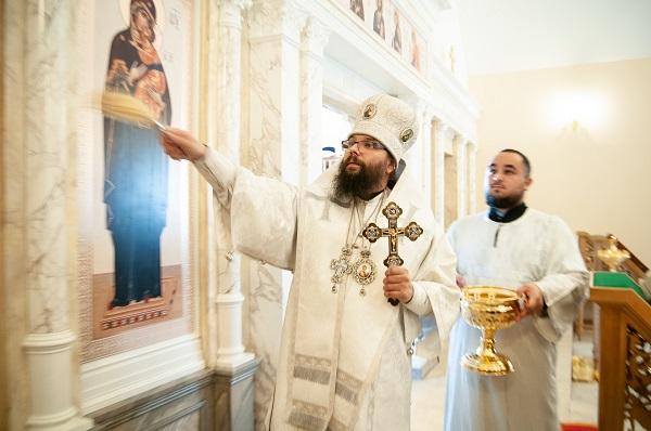Освящена временная церковь на месте строительства нового храма при МГУ