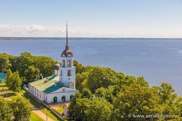 Церковь Николая Чудотворца на острове Залита