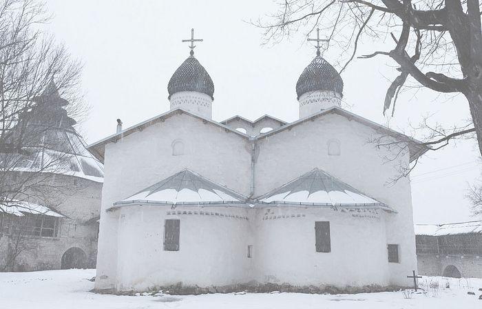 Церковь Рождества Богородицы (от пролома), Псков. Фотография Сергея Кантерина.