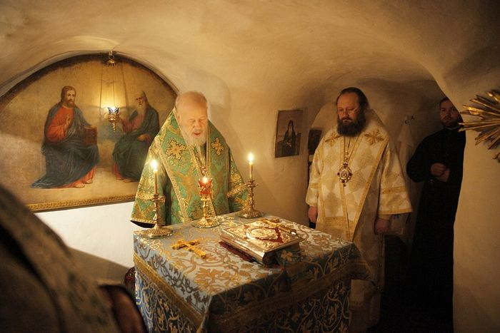 The ever-memorable Metropolitan Vladimir (Sabodan) and Metropolitan Pavel (Lebed)