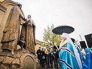 Памятник благоверным Петру и Февронии открыт в Казани в День народного единства