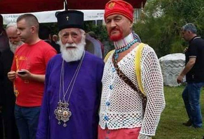 распоп Мираш Дедеић са следбеницима