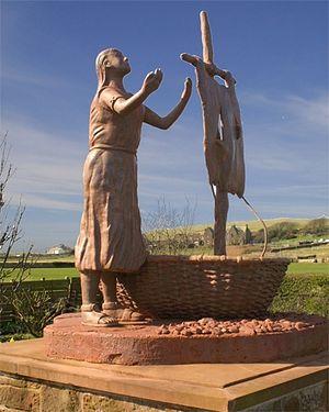 Статуя прп. Беги в деревне Сент-Бис, Камбрия
