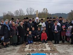 Ukrainian villagers asking for help to build church after losing theirs to schismatics (+ VIDEO)
