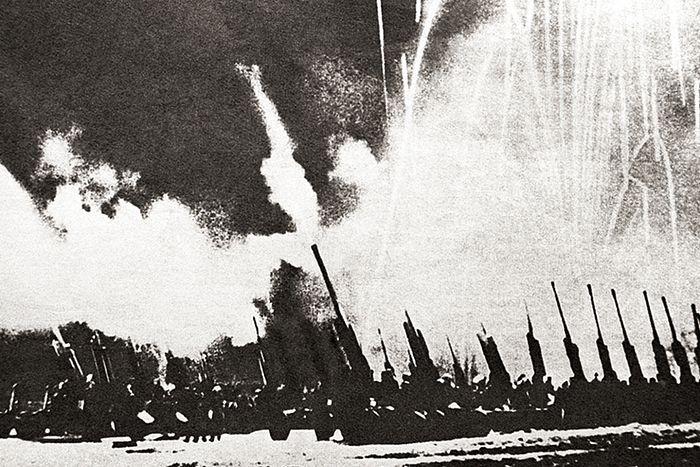 5 августа 1943 г. в Москве был дан артиллерийский салют войскам, освободившим Орел и Белгород